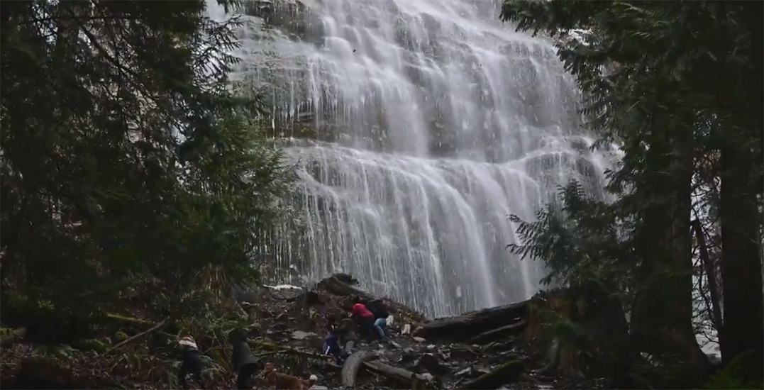 Falling ice from BC Provincial Park waterfall causes close call for hikers (VIDEO)