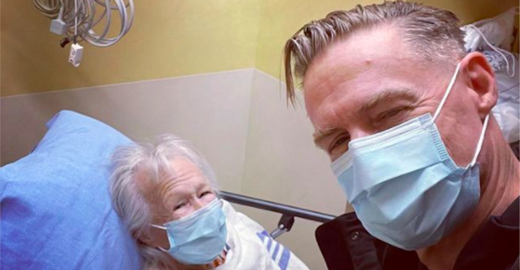 Bryan Adams thanks North Vancouver hospital for caring for his mom