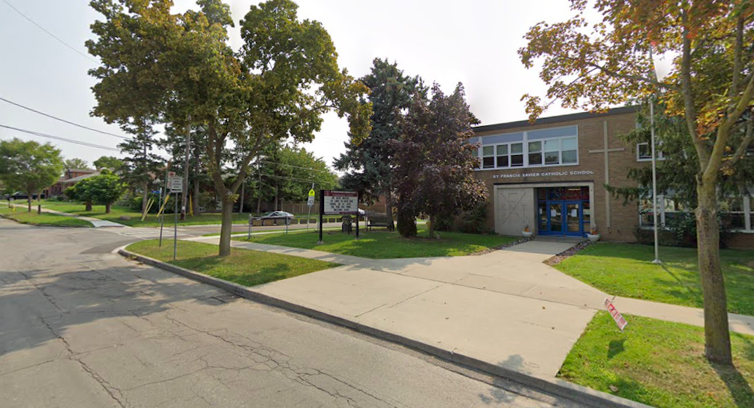 North York school temporarily shuts down after 11 COVID-19 cases detected