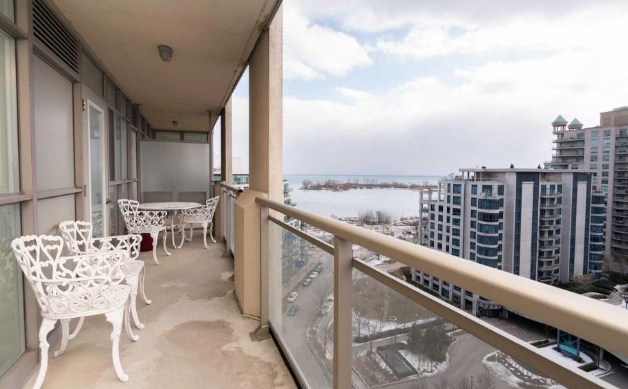 toronto waterfront properties