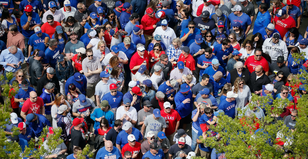 Full 40K capacity crowd allowed for Blue Jays game in Texas