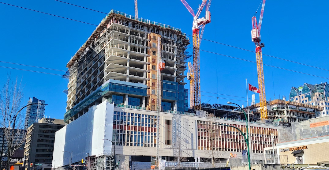 """Lower Mainland construction workers can """"skip the line"""" for vaccine on select dates"""