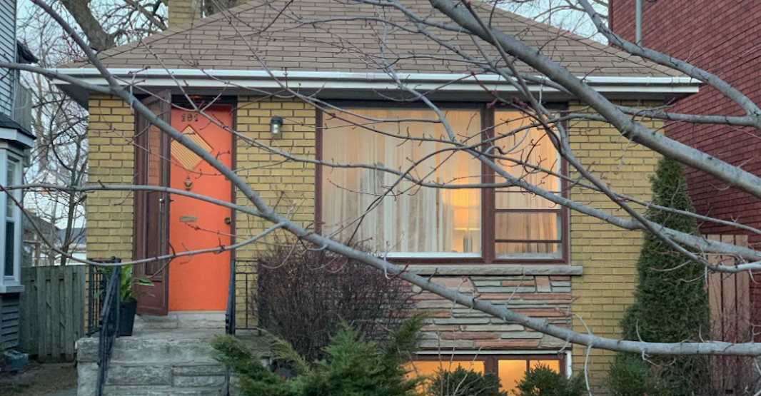 Toronto bungalow sells for $1.46 million, almost $500K over asking price