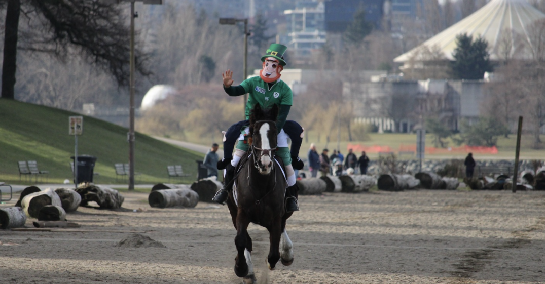 A leprechaun on horseback celebrated St. Patrick's Day in Vancouver today (VIDEO)