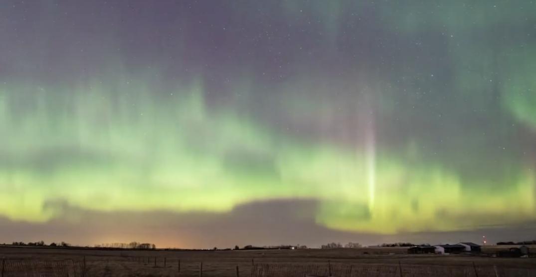 Northern Lights spotted across Alberta skies this weekend (PHOTOS/VIDEO)