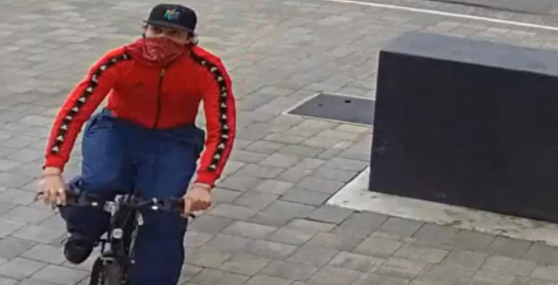 Brazen Richmond porch pirate steals package from front doorstep (VIDEO)