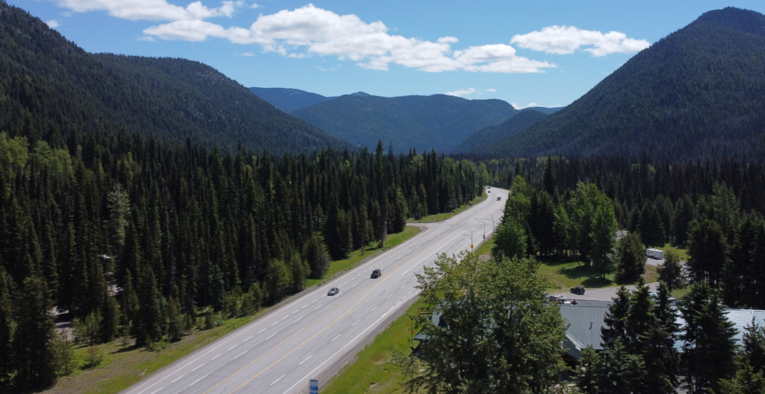 Police stopped over 2,000 vehicles at COVID-19 checkpoints in BC this past weekend