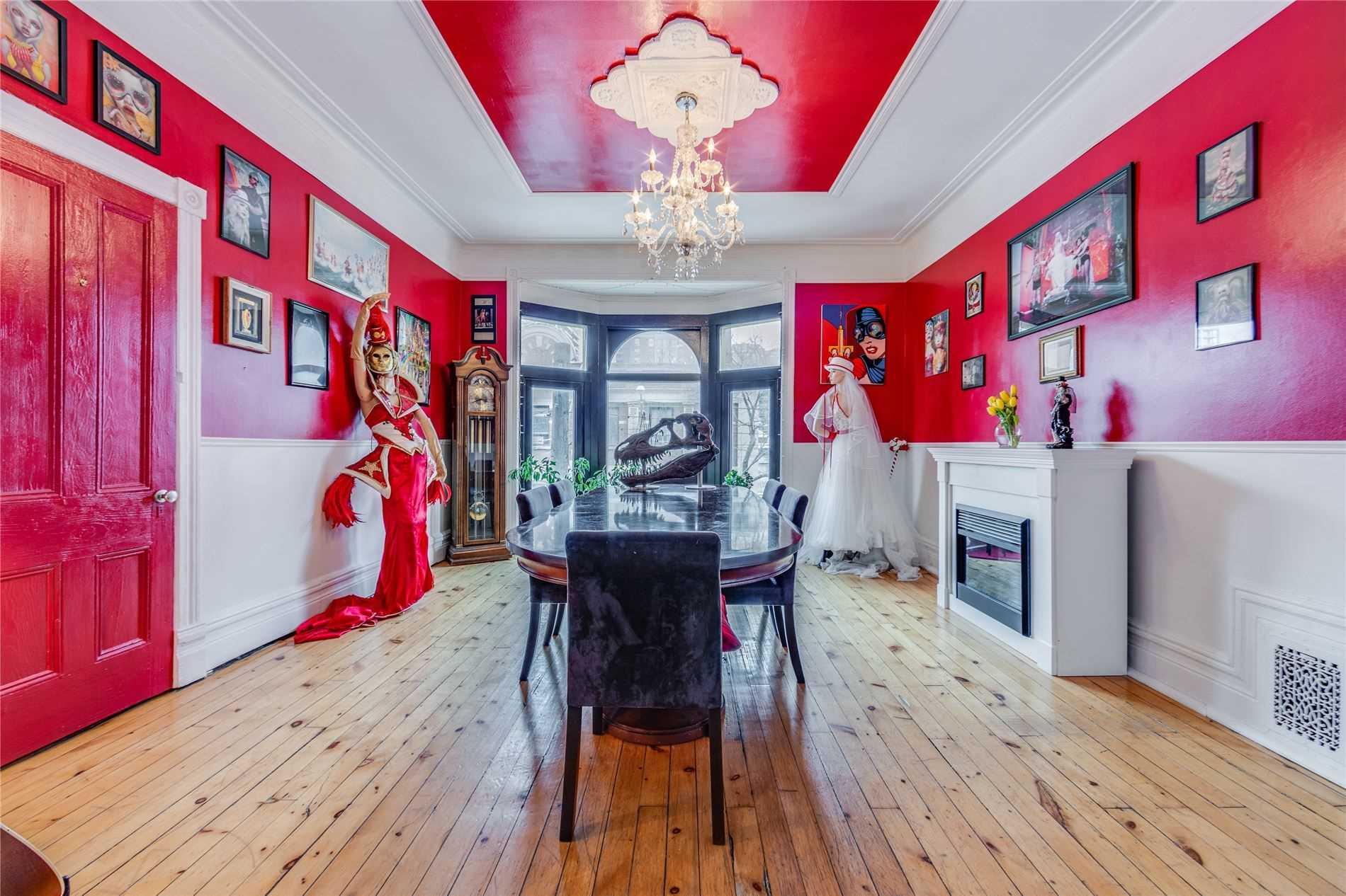 queen storefront apartment
