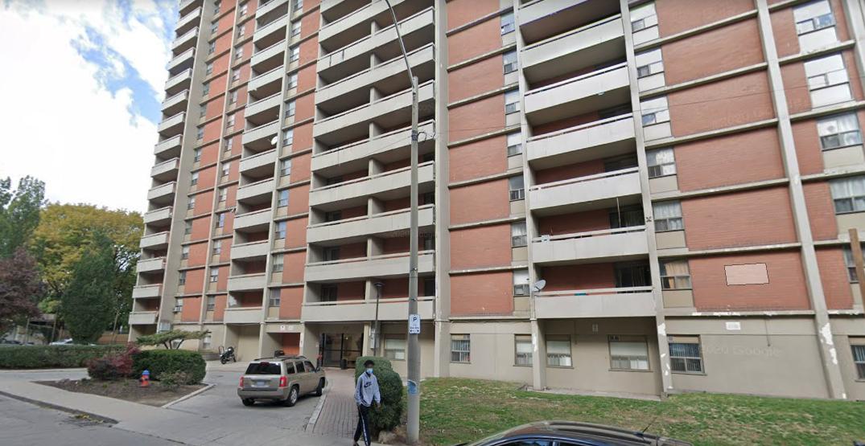 COVID-19 outbreak rips through Hamilton apartment building