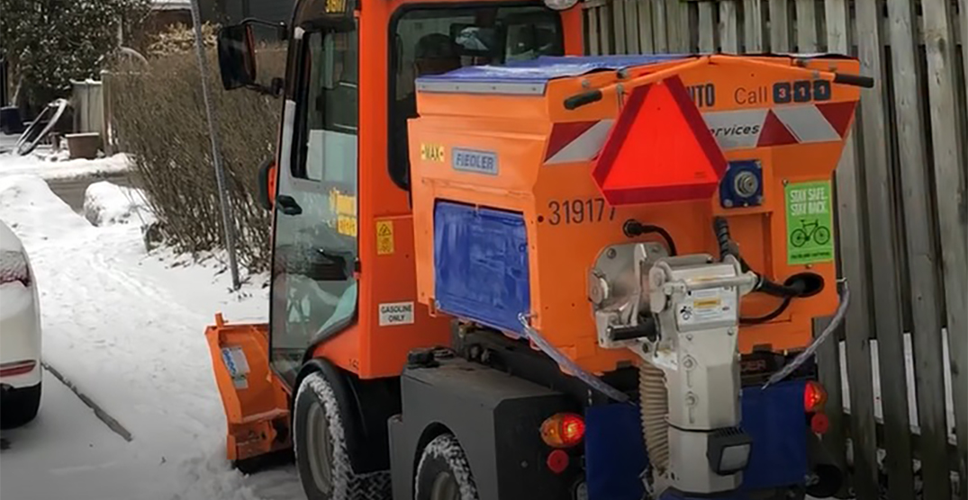 Toronto rolling out downtown sidewalk snow removal next winter