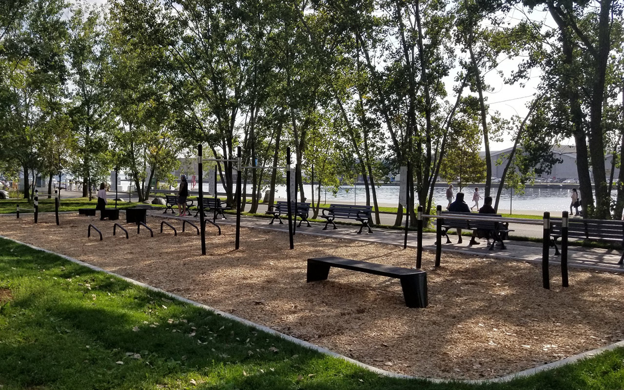 toronto outdoor gyms