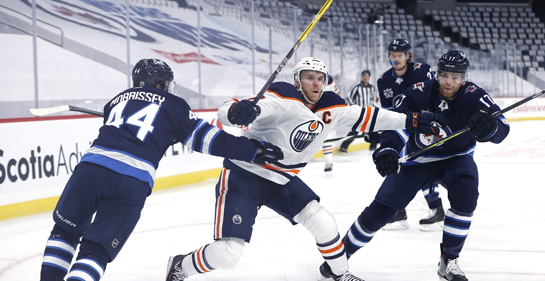 Hockey fans taunt Oilers after getting swept in first round by Jets