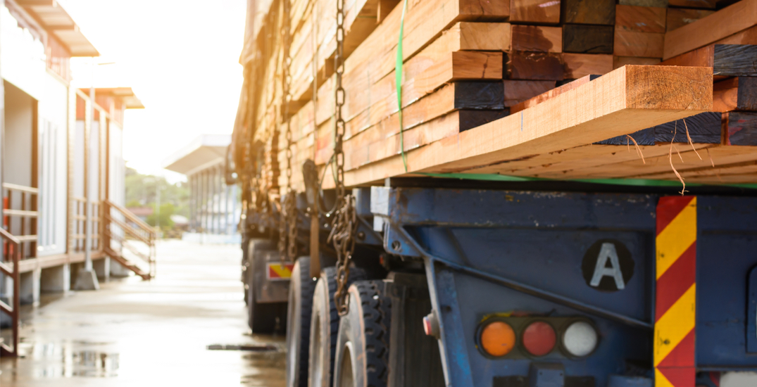 $60K worth of lumber stolen from truck as price of wood soars in Canada