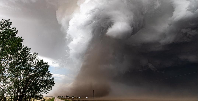 Tornado hits southern Alberta (PHOTOS/VIDEOS)