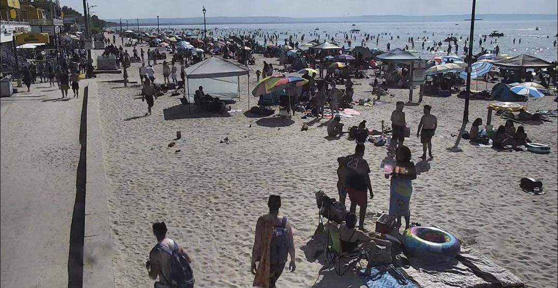 Town of Wasaga Beach blasts visitors for leaving mess behind