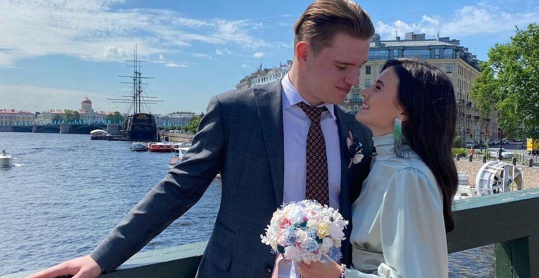 Canucks prospect Vasily Podkolzin gets married in Russia