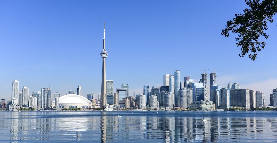Toronto's weekend weather calls for sunny skies and warm temperatures