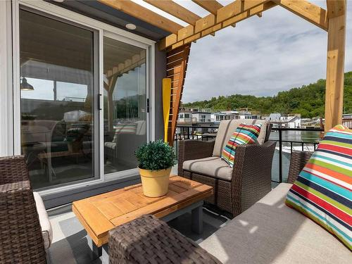 toronto houseboat