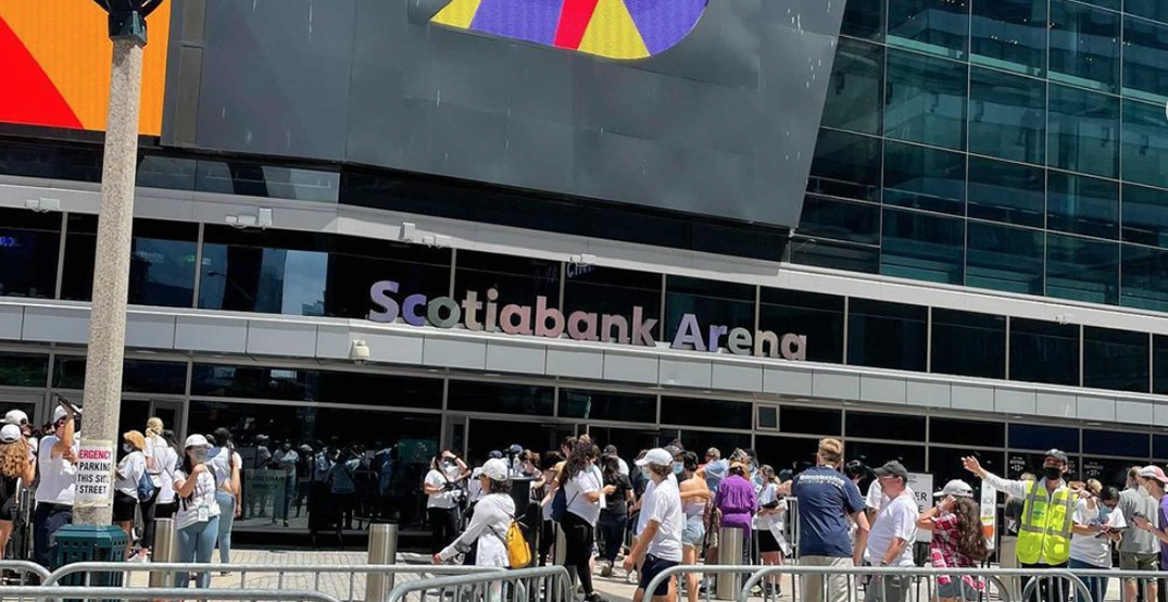 Scotiabank Arena vaccine clinic sets record with 27,000 shots in one day