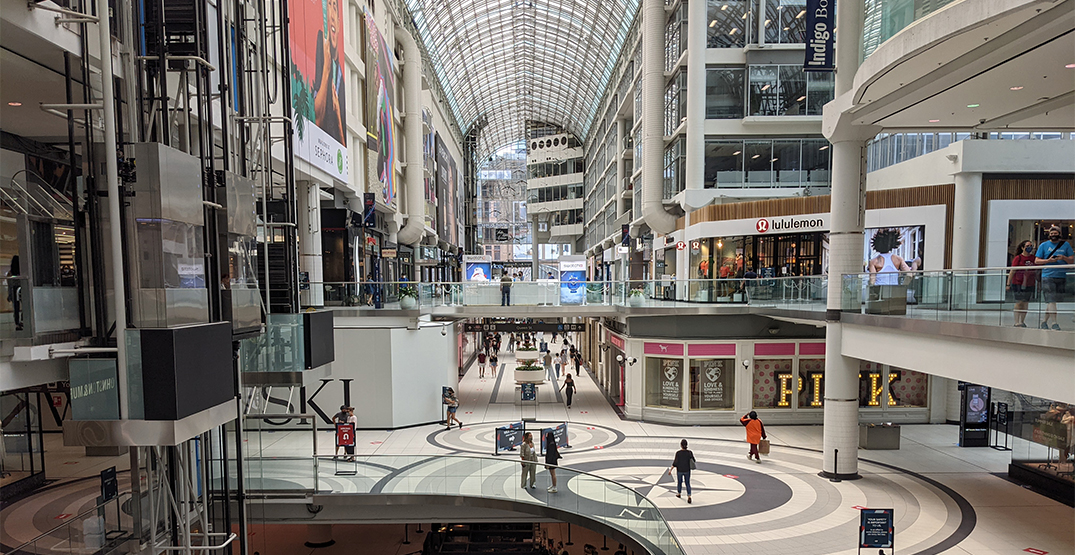 This is what the Eaton Centre looked like after malls opened in Toronto (PHOTOS)