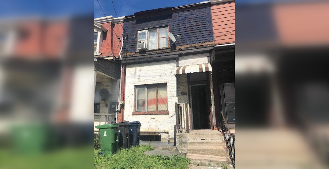 Unliveable Toronto house sells for over $1.1 million