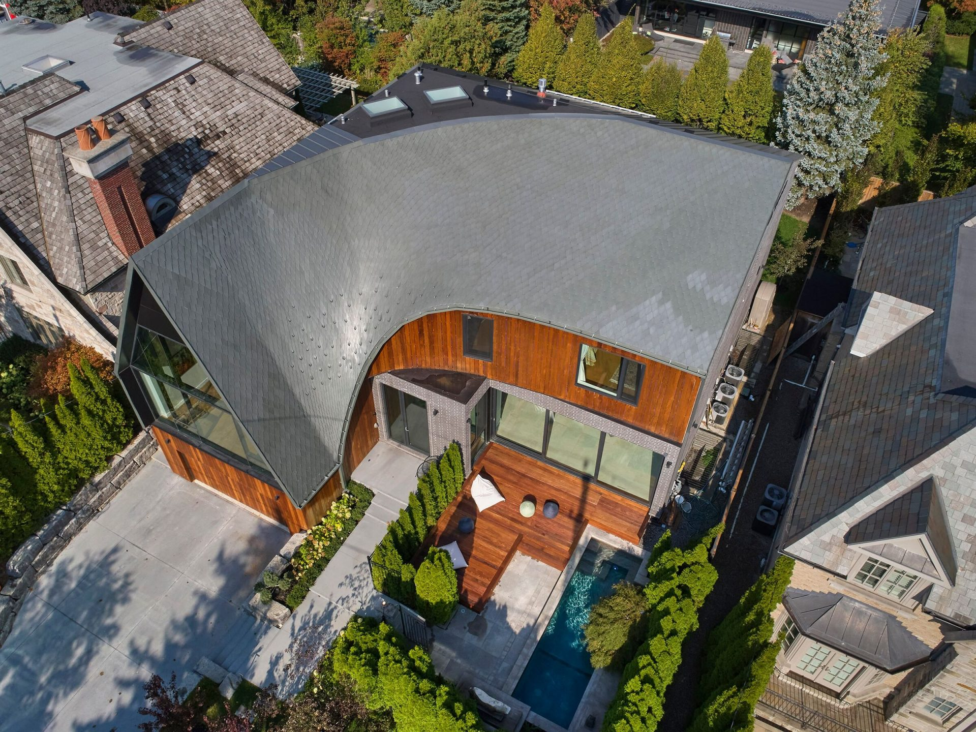 toronto curved house