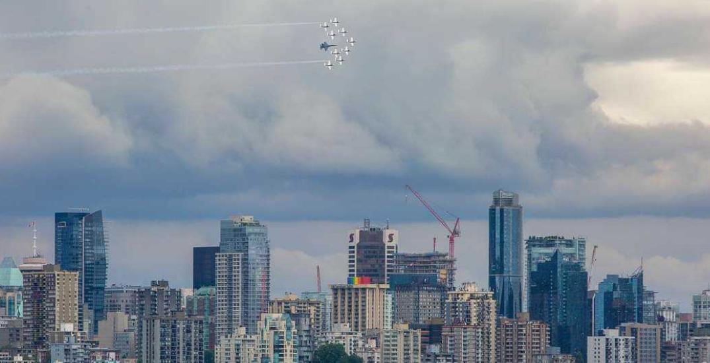 CF Snowbirds soar over Vancouver for Operation Inspiration (PHOTOS/VIDEOS)