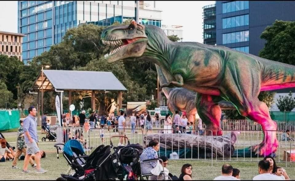 dinosaurs Montreal