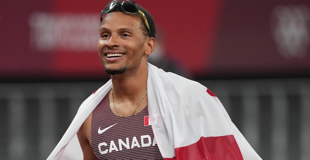 How Andre De Grasse recovered from last-place start to medal in 100m Olympic final