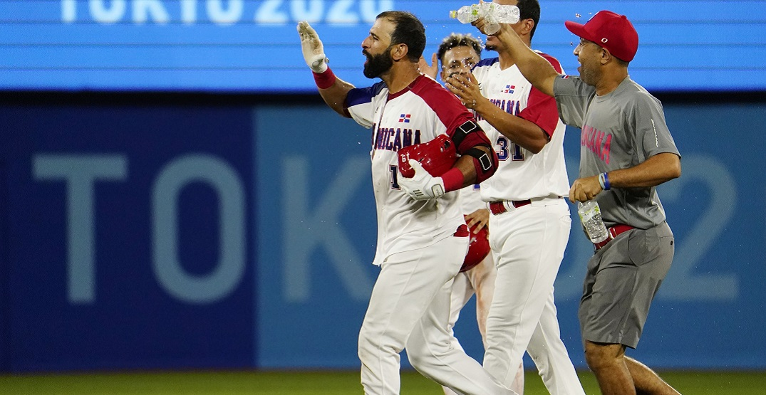 Blue Jays legend Jose Bautista smashes walk-off hit for Dominican Republic at Olympics (VIDEO)