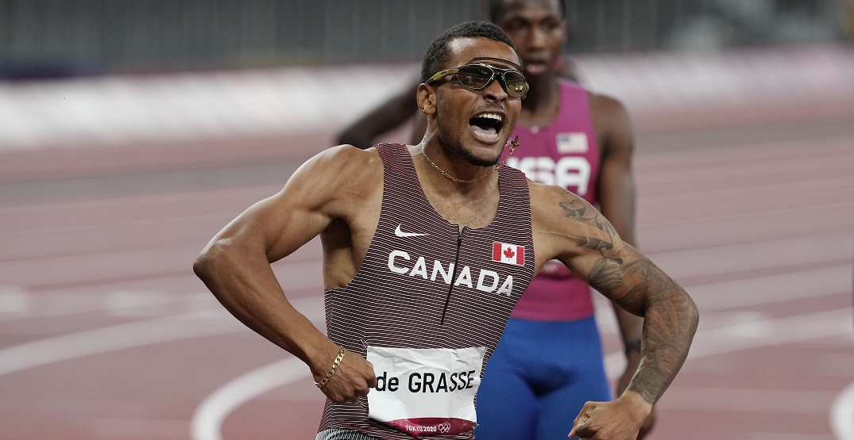 Andre De Grasse wins 200m gold medal at Tokyo Olympics