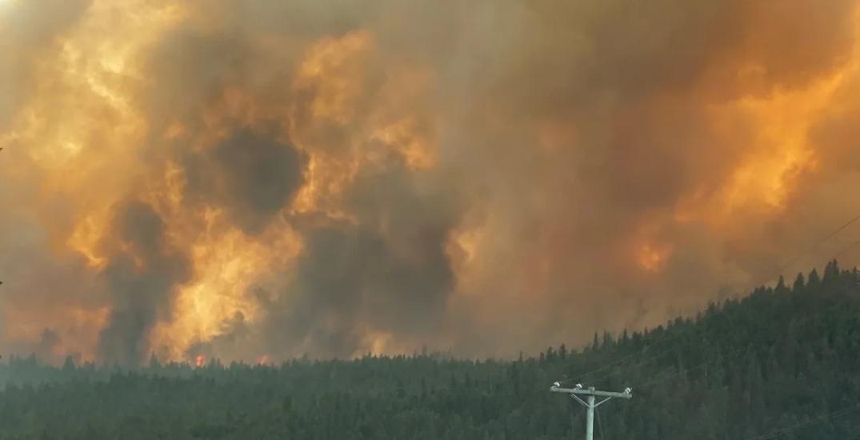 Wildfire rips through town of Monte Lake (PHOTOS)