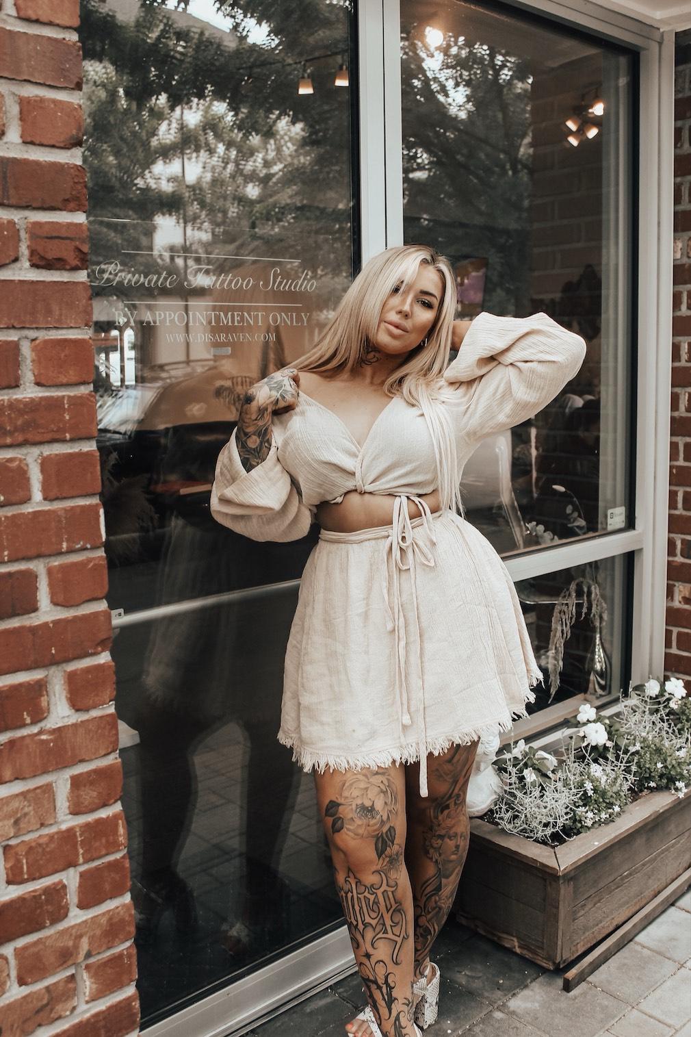 Female tattoo artist Disa Raven
