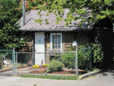 toronto smallest houses