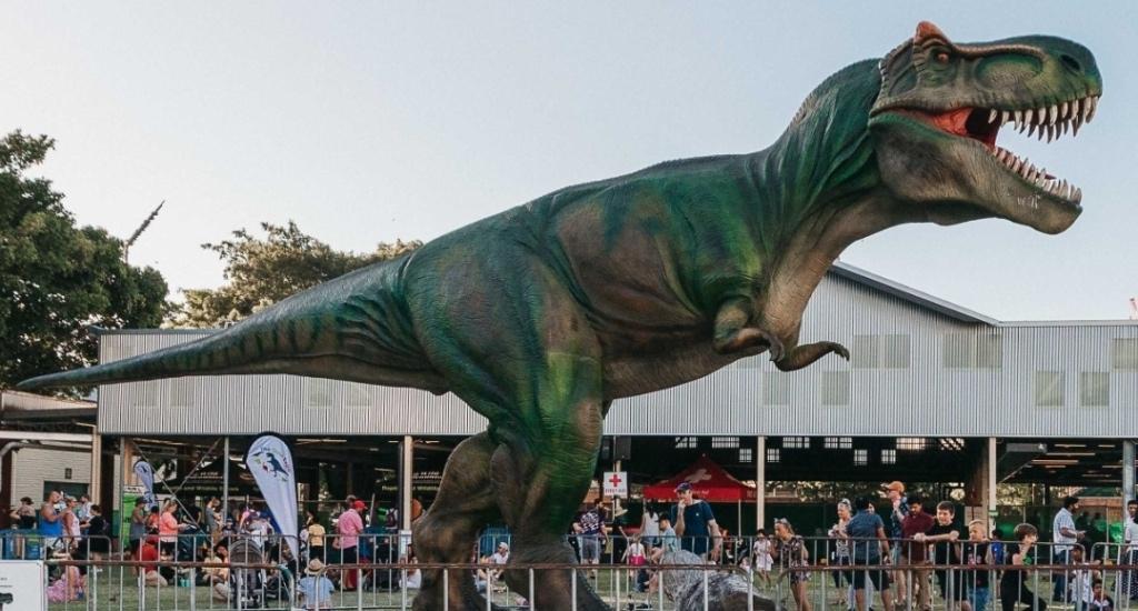 Dinosaurs are invading this Edmonton park next month