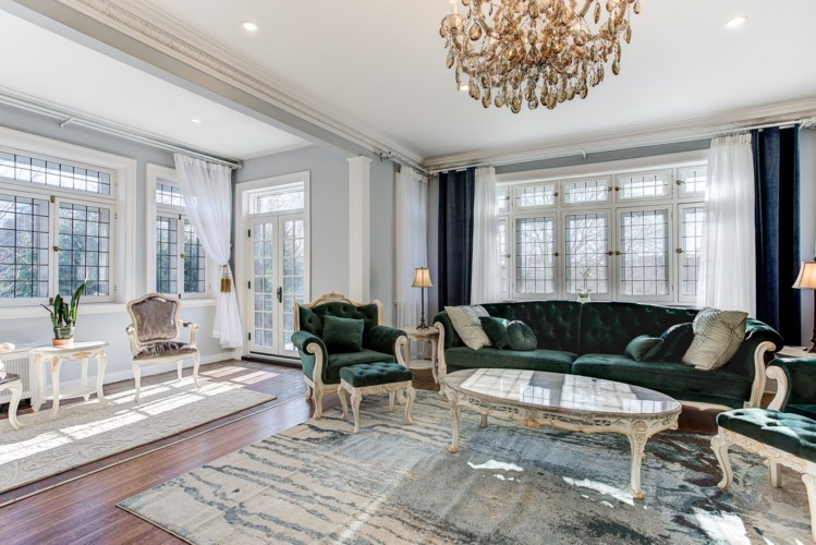 A look inside: $3.2M newly renovated Westmount home (PHOTOS)