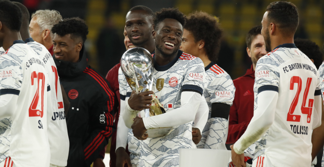Alphonso Davies shows support to refugee Paralympic team