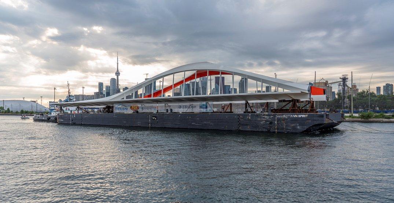 Second half of Toronto's Commissioners Street Bridge is finally here (PHOTOS)