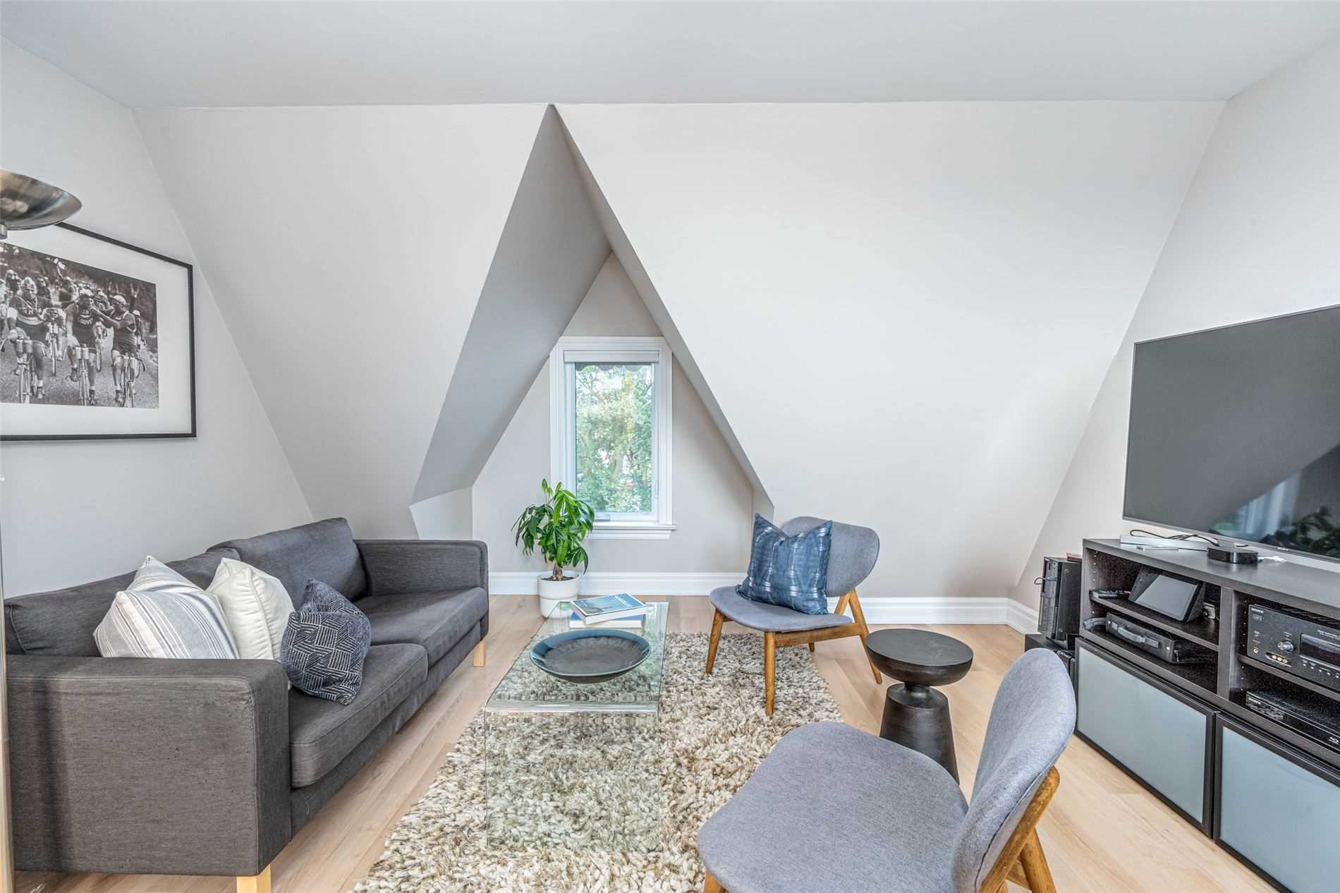 toronto townhouse sold over asking