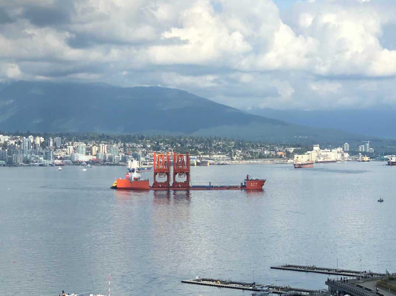 zhen hua centerm port of vancouver cranes