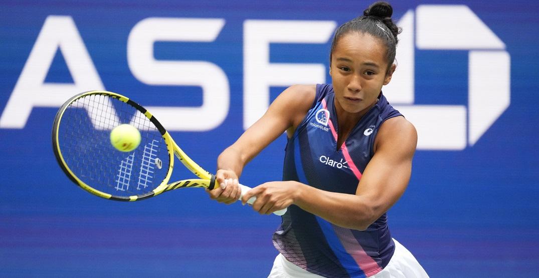 Leylah Fernandez falls to Emma Raducanu in all-teen US Open final
