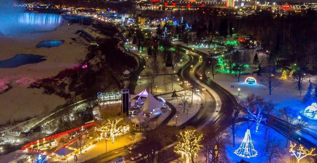 There's a huge Christmas market in Niagara Falls this winter