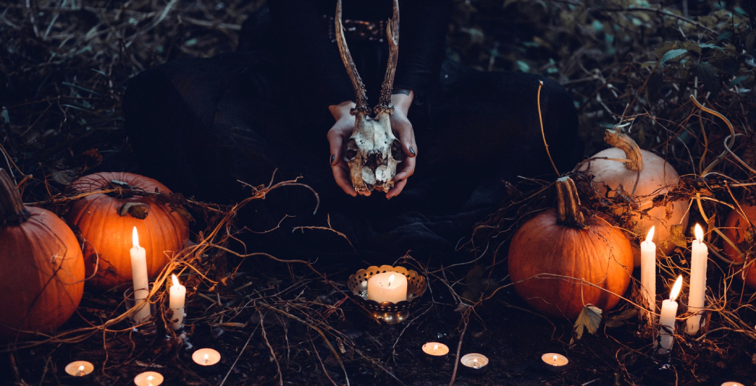 5 spooky ways to get in the Halloween spirit this fall