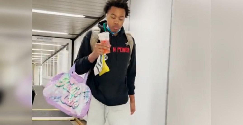 Raptors make rookie Scottie Barnes carry hilarious sparkly bag on road trip