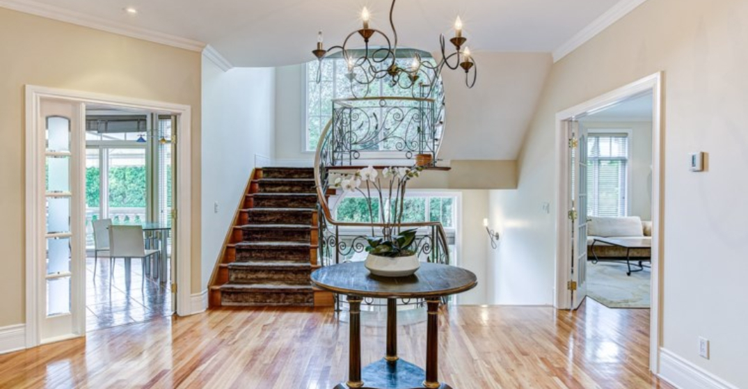 A look inside: $3.8M spacious family home in Île-des-Soeurs