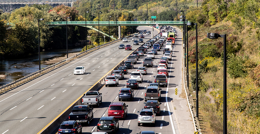 Canadian man calls 911 because he has to pee in traffic jam