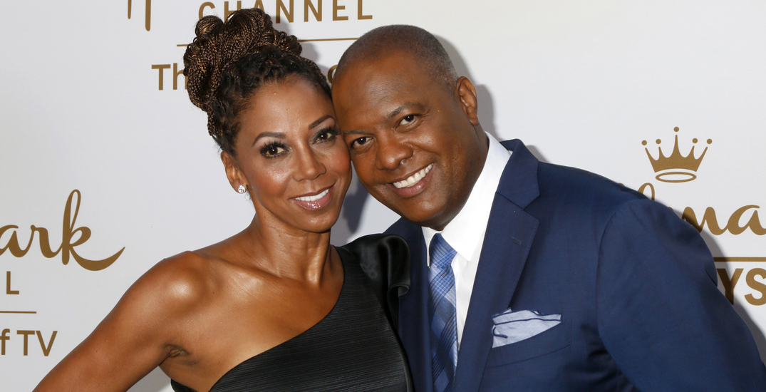 """Holly Robinson Peete """"very, very upset"""" after sons not allowed to board Air Canada flight at YVR"""