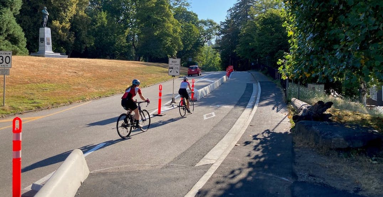 Park Board seeking public feedback on Stanley Park Drive's bike lane barriers