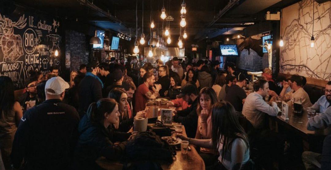 Bars and restaurants in Quebec will return to full capacity as of November