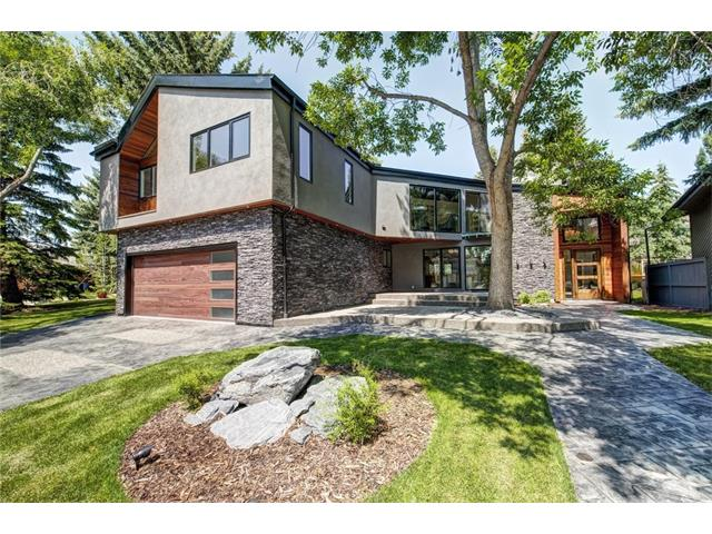 Home on Bay View Drive with a free Tesla, Image: Remax